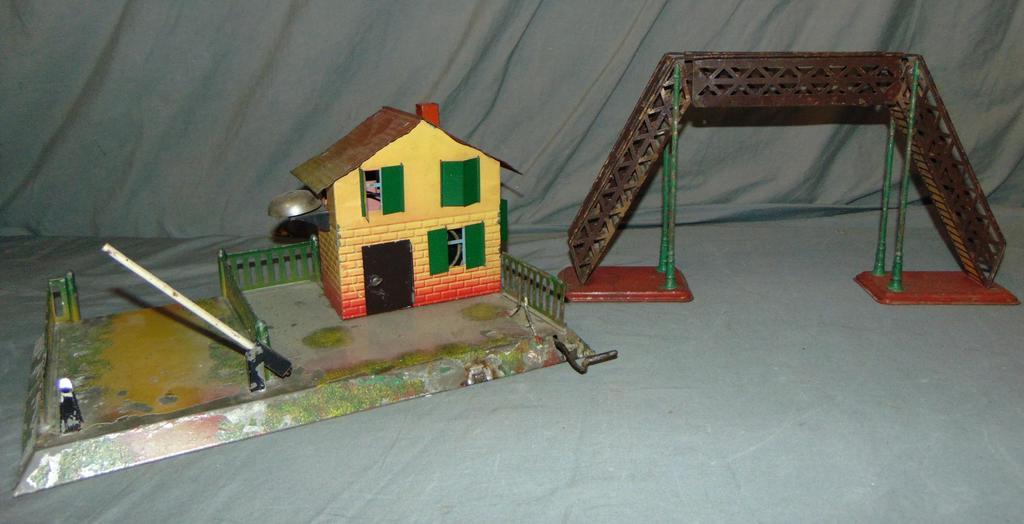2 Krause Train Accessories
