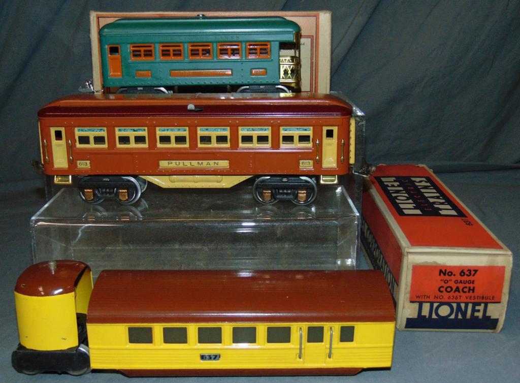 3 LN Lionel Passenger Cars