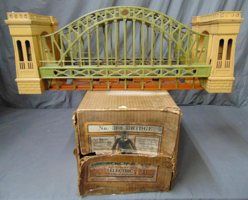 Boxed Lionel 300 Hellgate Bridge