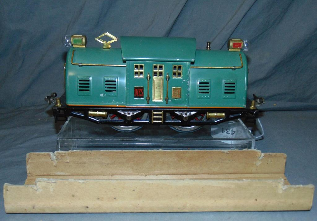 Nice Lionel-Ives 10E Locomotive