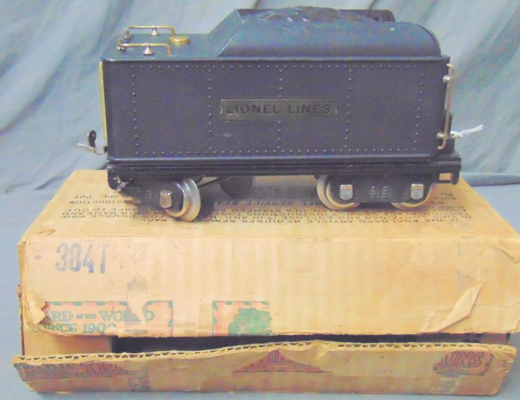 Unusual Boxed Lionel 384T-S Crackle Tender