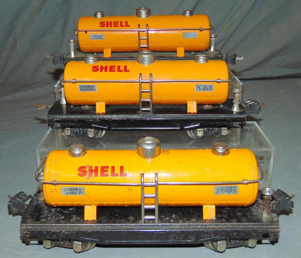 3 Lionel 2815 Shell Tanks Cars