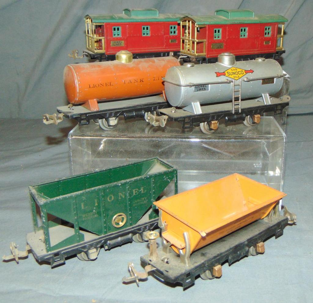 6 Nice Lionel 800 Series Freights