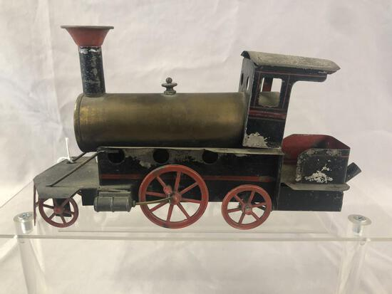 Unusual Live Steam Floor Locomotive