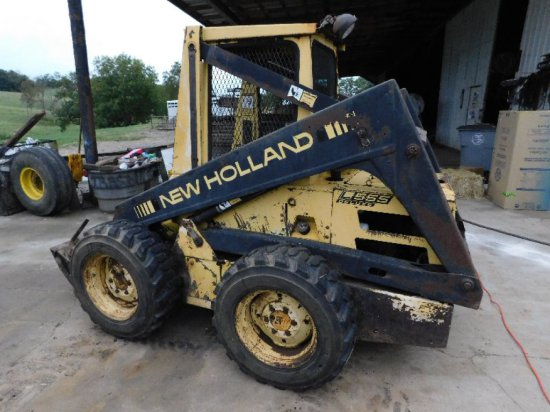 New Holland L550 Deluxe Skid Steer Loader with Forks Only!  S/N 714172