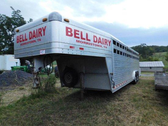 2000 4-star Cattle Trailer Aluminum 8' X 24', Gooseneck