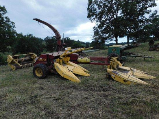 New Holland 900 2-Head Chopper, W/Corn and Grain Heads