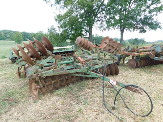 John Deere Type FH1B1 16' Disc, 10' W/Arms Retracted