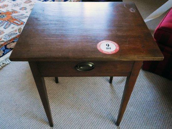 Hepplewhite Style Single Drawer Table