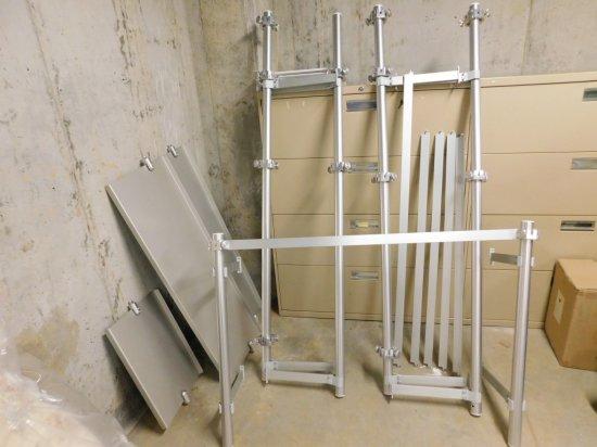 Aluminum Wall Track w/Mirrors