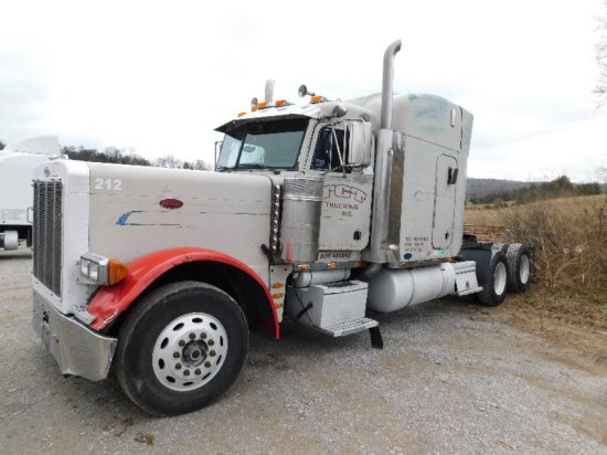 1996 Peterbilt 379 Road Tractor, Cat C15, 435HP, 10sp, Extended Hood, ODO 2