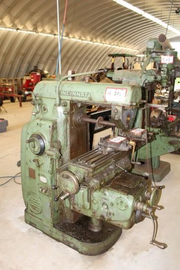 Cincinnati No. 2 ML Universal Milling Machine s/n 5JPP5A-1B