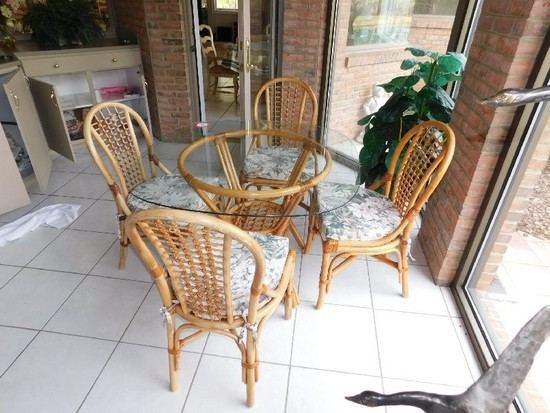 """Rattan Dining Set w/ (4) Chairs, Glass Top Table, 42"""" x 42"""""""