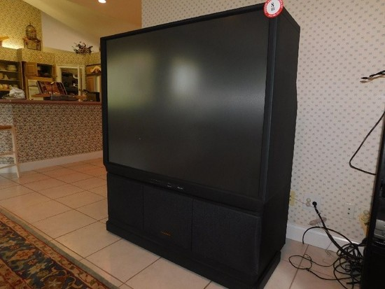 """Hitachi Ultra Vision 60"""" Rear Projection Colored TV"""