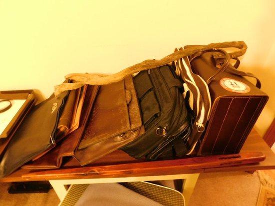 (6) Briefcases, Bags, Etc