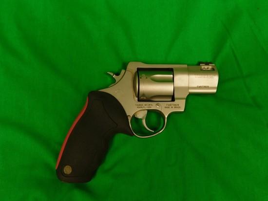 Taurus 454 Casull Revolver, s/n FW673829