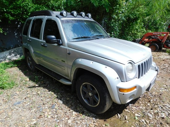 2002 Jeep Liberty, 4WD, Power Windows/Locks, Auto/Air (Not Running)
