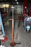 Werner Automotive Screw Jack, Pro Lift 4000 lb. Floor Jack, Small 10 Ton Bo
