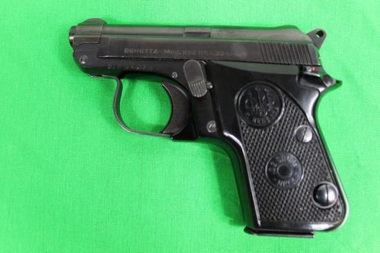 Beretta model 950BS, caliber 22 Short, s/n BER04276T.  Blur finish, thumb s