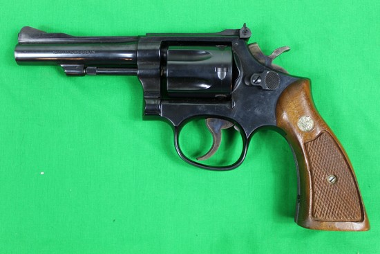 Smith & Wesson model 18-4 revolver, caliber 22 Long Rifle, s/n 203K140.  Bl