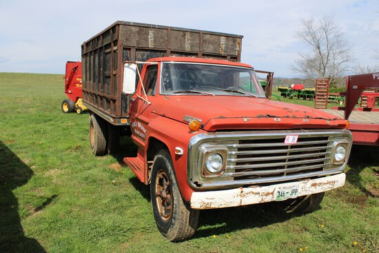 1972 Ford F-700 Grain Truck, Flatbed Dump, V-8, 5 x 2 Speed, Miles Unknown,