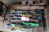 Contents of Pallet: Various Top Links, Sway Bars, Hyd Controls, Etc.