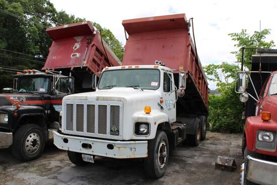 1995 International 2674 Tandem Axle Dump w/ Cummins L10 Diesel, 8 Speed Low