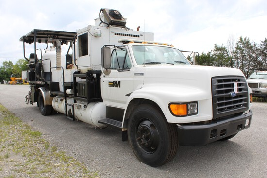 2016 MRL 4000 PT Paint Striper s/n 04404 mounted on 1995 Ford F800 VIN 1FDW