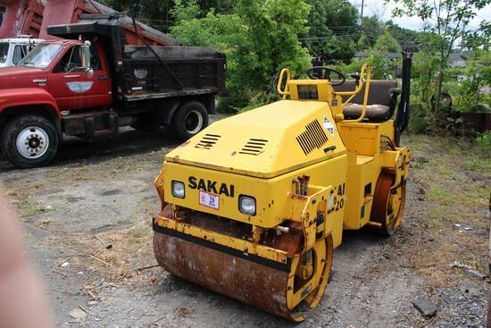 Sakai Model SW320 Roller, 1420 Hrs, s/n VSW36-201220