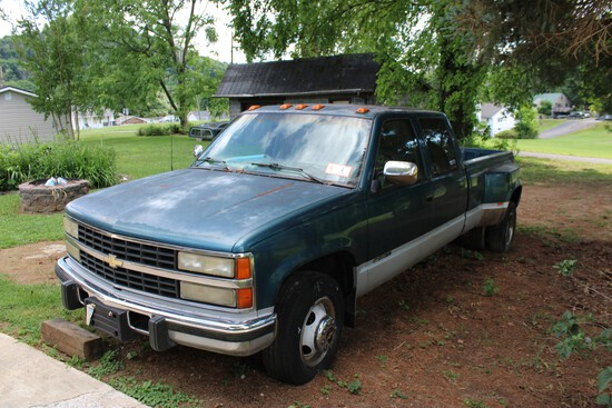 1993 Chevy 3500 Dually, 4 Door Truck, Automatic Trans w/ 114,519 Miles