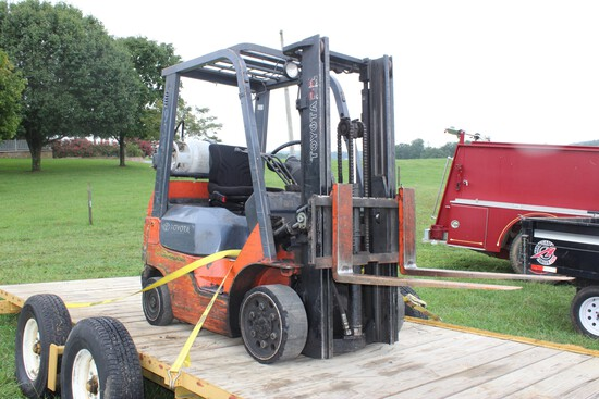 Toyota 7FGCU20 Forklift, Propane, 2-Stage Mast, 7390lb Lift Capacity, 21,29