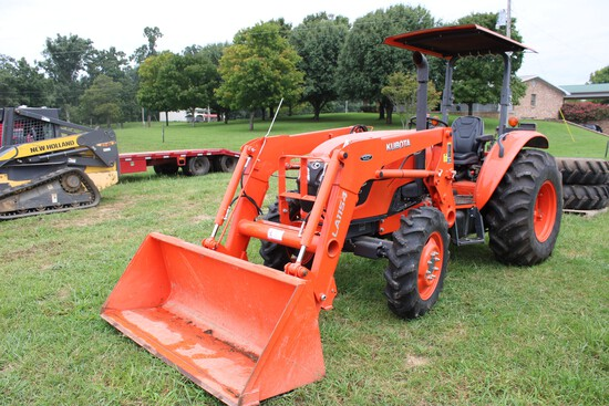 Kubota M7060 Tractor, 4WD, 2 Post Rops w/ Sunshade, Hydraulic Shuttle, Hydr