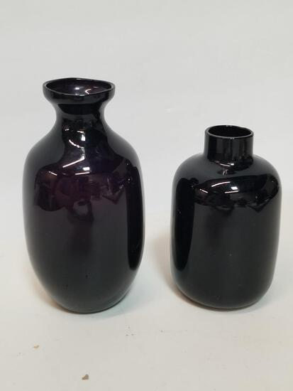 PAIR OF VIOLET HANDBLOWN SMALL GLASS VASES