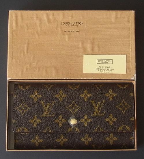 LOUIS VUITTON WALLET PURSE W/ORIGINAL BOX