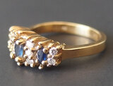 14KT GOLD SAPPHIRE & DIAMOND RING