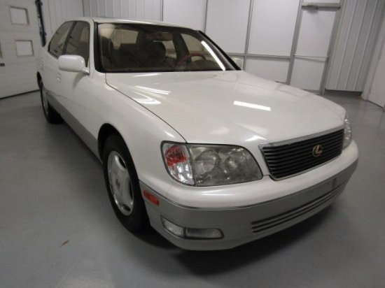1999 Lexus LS 400 Sedan