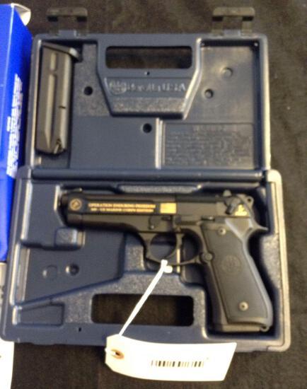 Beretta 92FS 9mm Parabellum 1 of 1500