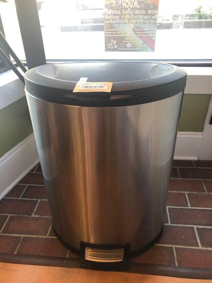 Trash Can - Stainless Steel with foot Pedal