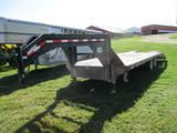 2006 PJ 25 ft. goosenck tandem axle trailer, dove tail, ramps, One Owner