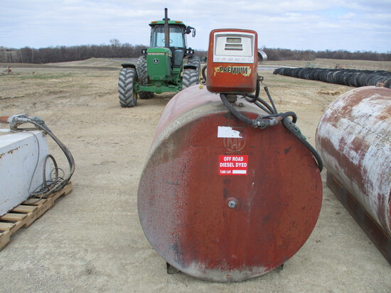 500 Gallon fuel tank w/elect pump