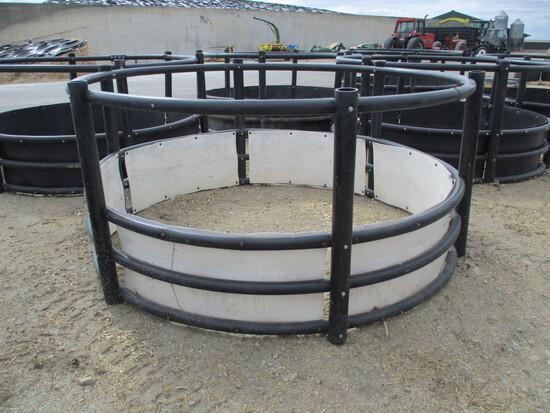 poly round bale feeder