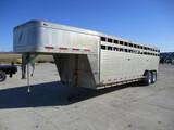 2006 Featherlite 24 Ft. Alum gooseneck livestock trailer, tandem axle, 2 dividers, 14,000 GVW