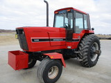 Int 5288, 2,195 Act hrs. cab, AC, heat, 3pt. 3 hyd, PTO, diff lock, 20.8-38 axle mnt. duals,  frt