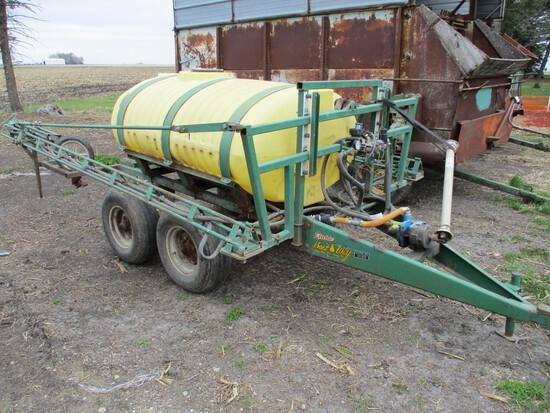 Bestway 500 gal sprayer, 40' booms, tandem ax. PTO pump