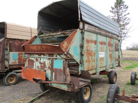 Forage King 16' chopper box w/MN Jumbo 9 ton gear