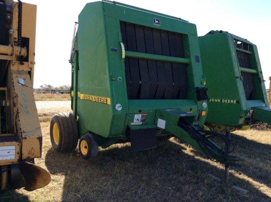 1997 John Deere 566 Round Baler   Farm Machinery