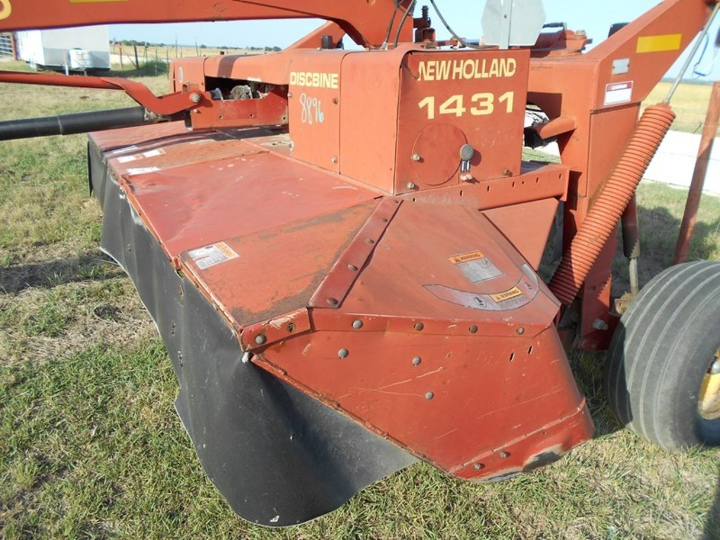 Lot: New Holland 1431 Hay Cutter | Proxibid Auctions
