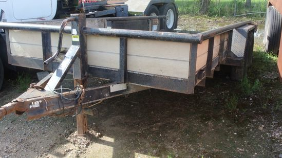 18 Ft. Tow Trailer- Pull Behind