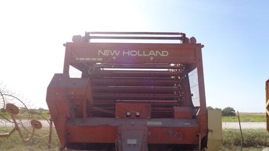 New Holland 852 Hay Baler