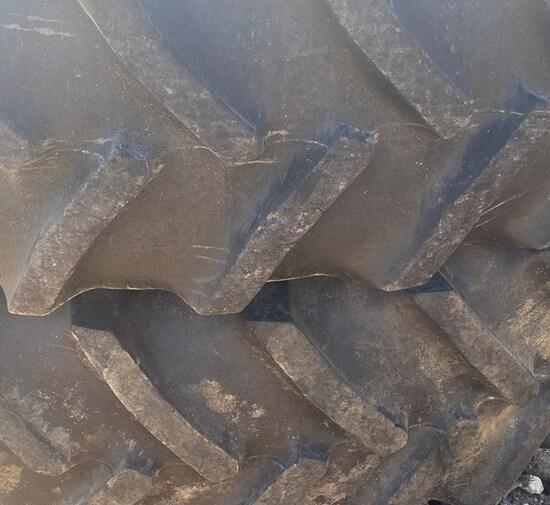 John Deere  Dual Wheels